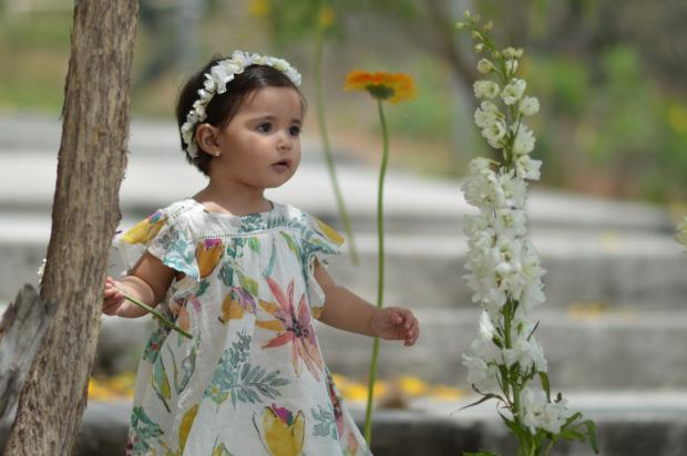 babywithflowers_fallingforivi_floraldress