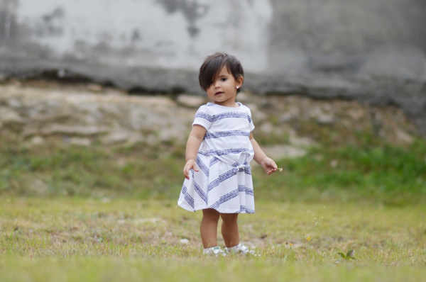 fallingforivi_stripedress_cutebaby_outdoors